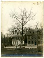 Photo of the Old Buttonwood tree at Market Square, [Deshler-Morris House, 5442] Germantown [Avenue], Phila[delphia] [graphic].