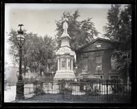 Soldier's Monument, Market Sq[uare], front view, [Germantown] [graphic].
