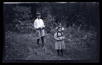 [Marriott Canby Morris Jr. and Janet Morris outdoors], Pocono Lake, [PA] [graphic].