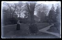[Elizabeth Canby Morris] in garden behind residence, [Deshler-Morris House, 5442 Germantown Avenue] [graphic].