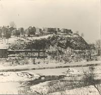 [Schuylkill River and houses atop hill in Manyaunk, Philadelphia] [graphic].