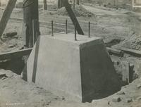 Column foundation construction, fifth stage concrete foundation uncovered, September 14, 1916.