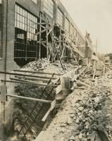 [Construction of wall, unid. location], August 31, 1922.
